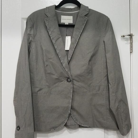 Banana Republic Jackets & Blazers - Banana republic women's blazer. Size 14. NWT